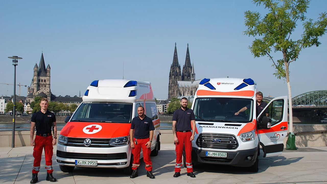 Foto Krankenwagen am Rhein mit Crew
